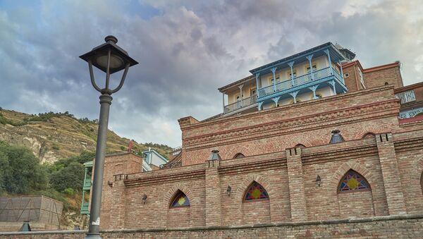 Вид на старый Тбилиси - район Абанотубани, городская архитектура - Sputnik Грузия