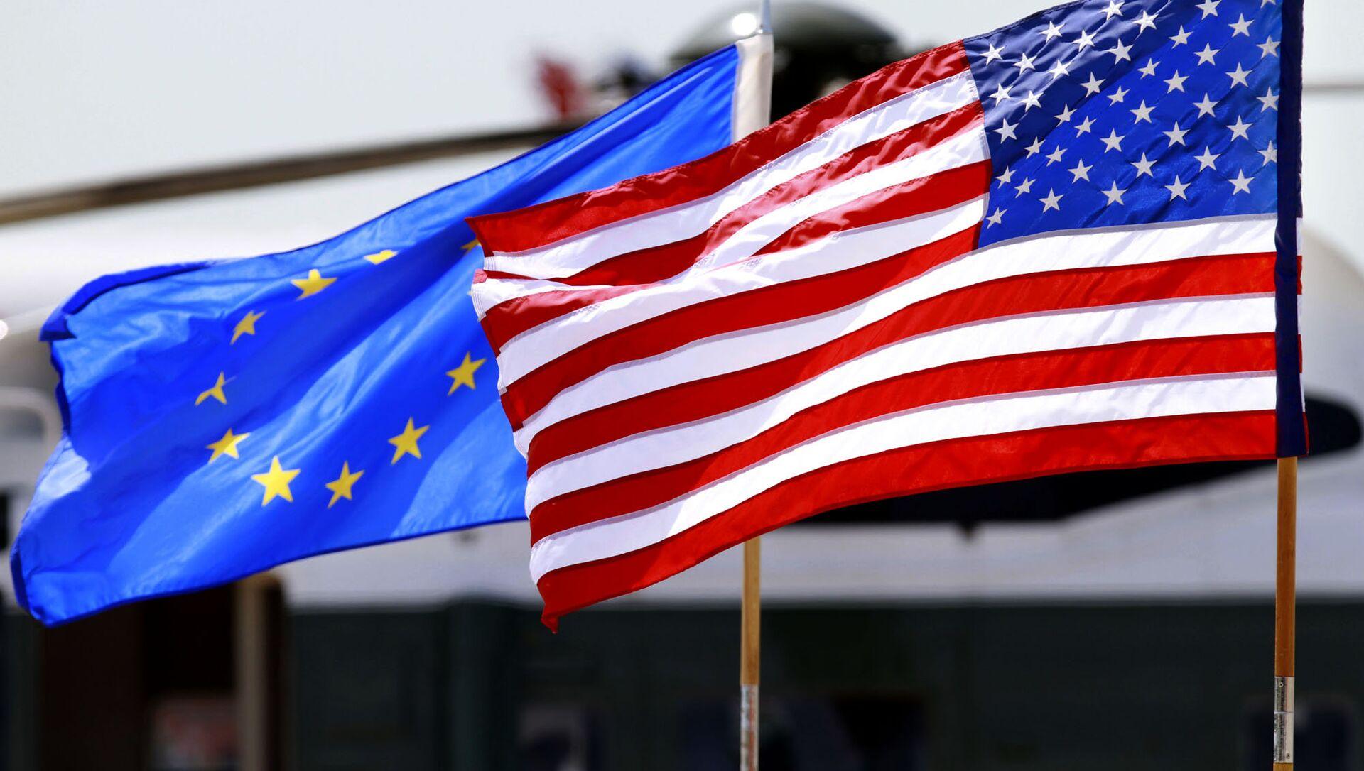 Флаги США и Евросоюза - Sputnik Грузия, 1920, 25.03.2021
