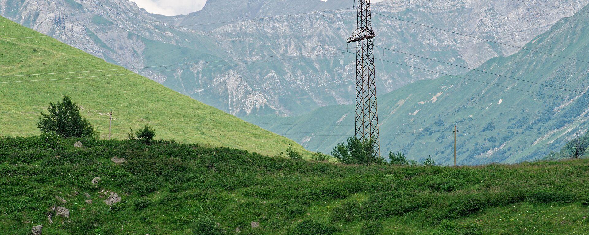 ЛЭП в горах близ Гудаури - Sputnik Грузия, 1920, 08.04.2021