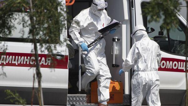 Медики во время пандемии коронавируса COVID 19 в Москве Россия - Sputnik Грузия