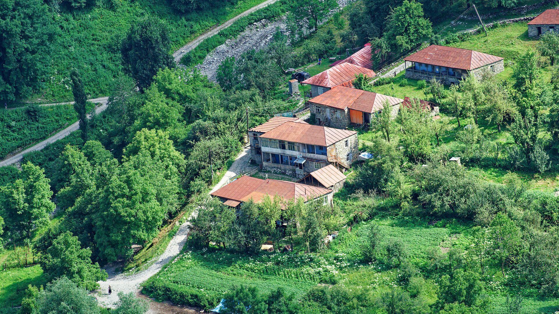 Горное село - частные дома местных жителей в Казбегском муниципалитете - Sputnik Грузия, 1920, 08.10.2021