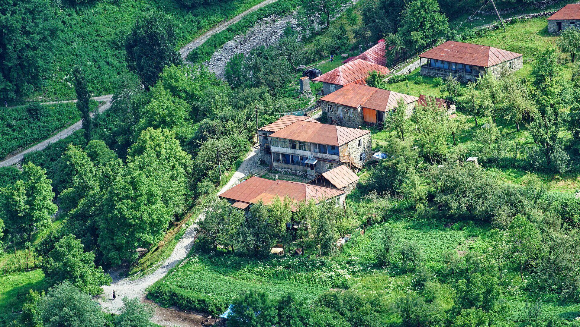 Горное село - частные дома местных жителей в Казбегском муниципалитете - Sputnik Грузия, 1920, 28.07.2021