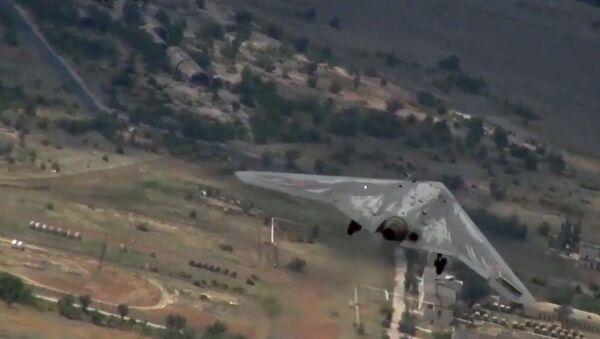 Испытания боевого беспилотного авиационного комплекса Охотник - Sputnik Грузия