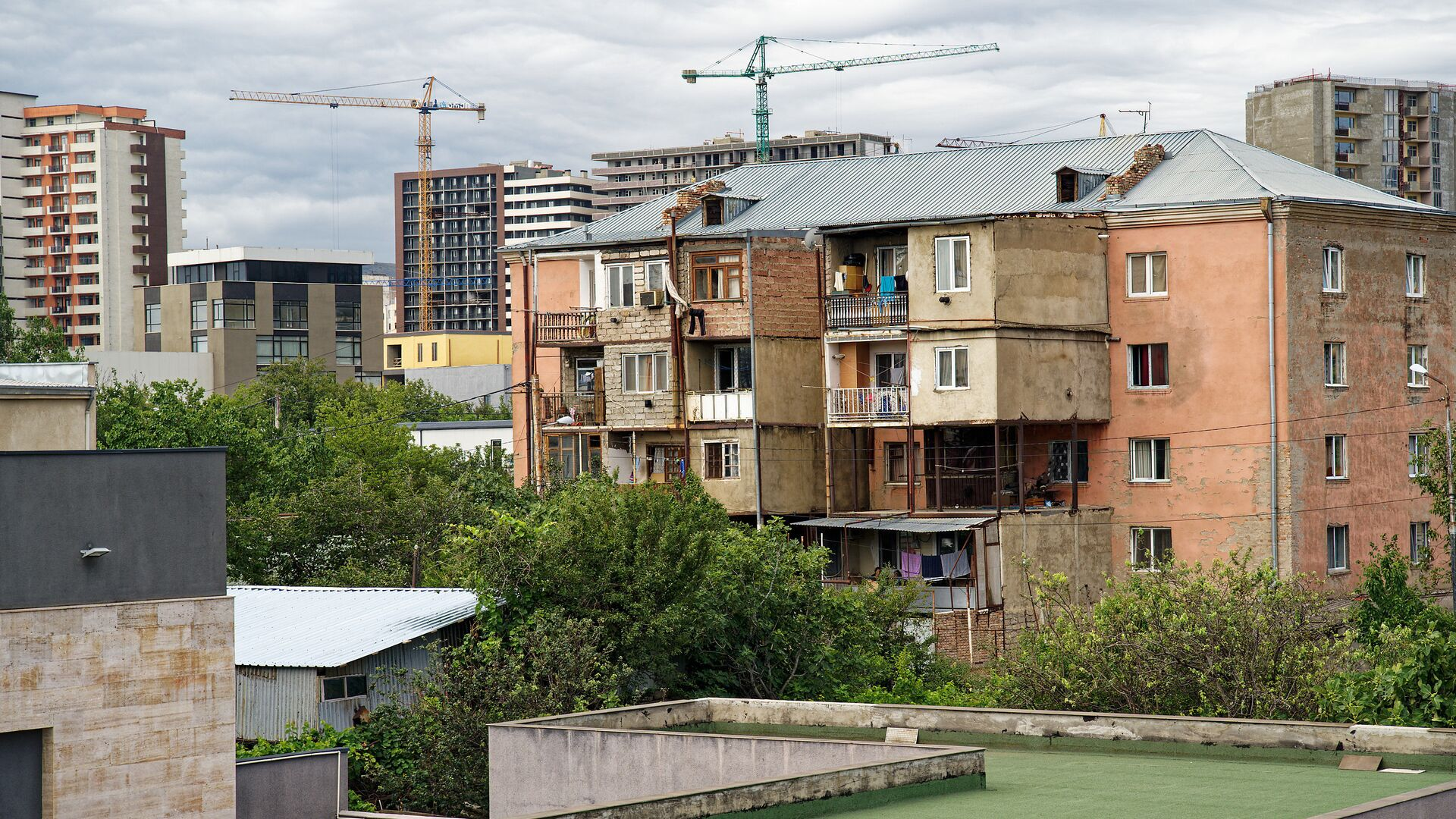 Строительство новых жилых домов в районе Диди Дигоми в Тбилиси - Sputnik Грузия, 1920, 01.09.2021