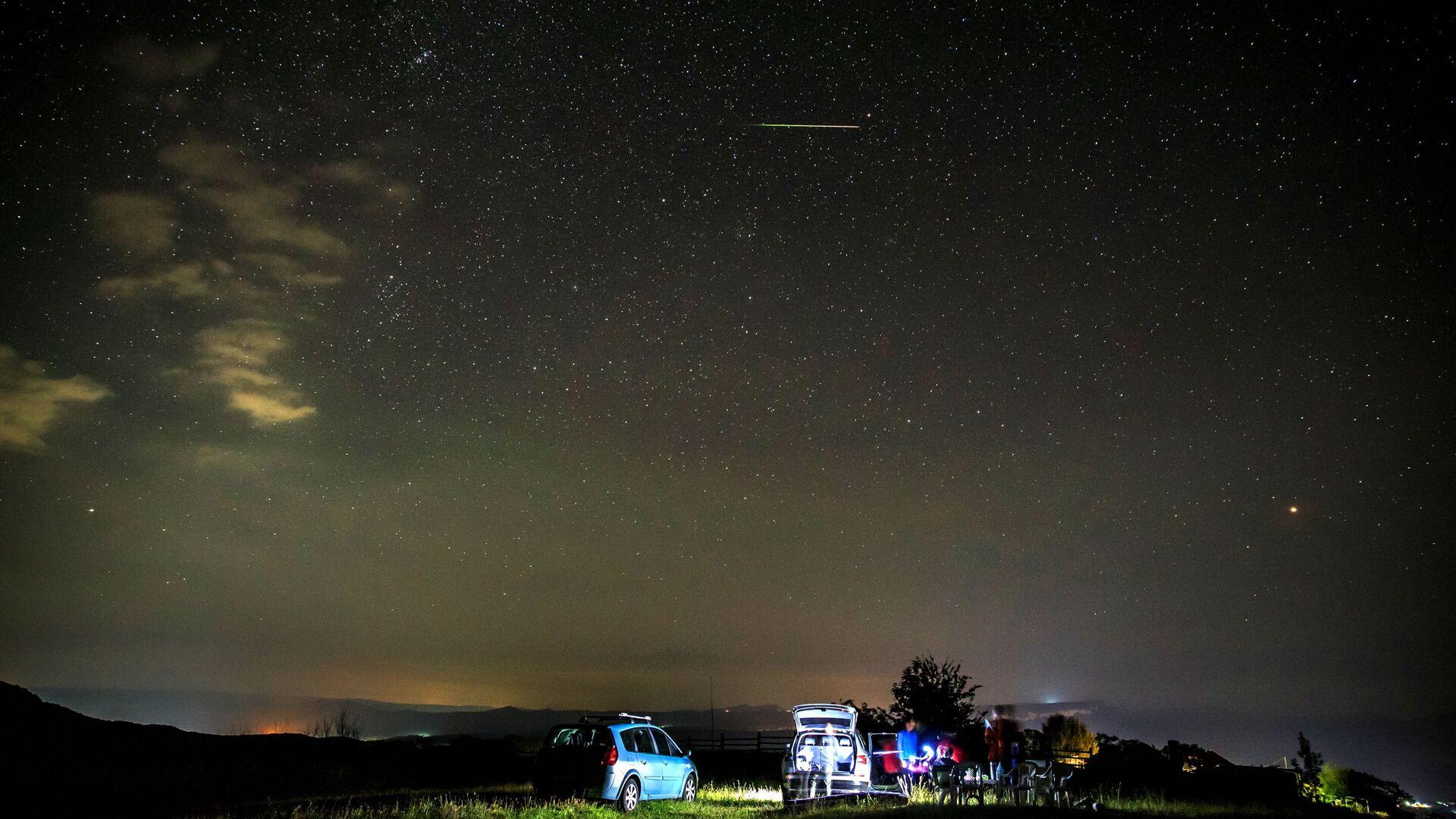 Звездное небо, наблюдаемое в Краснодарском крае во время метеорного потока Персеиды - Sputnik Грузия, 1920, 29.09.2021