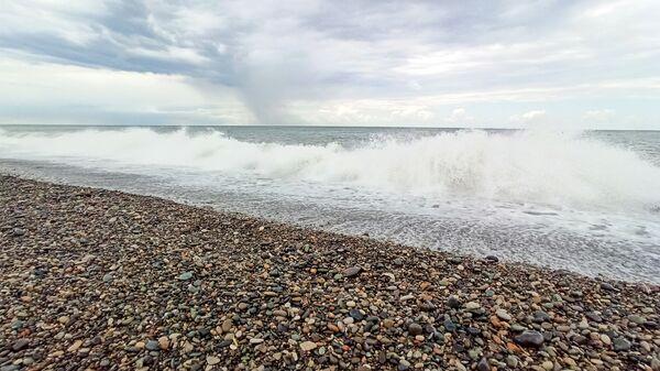 Морские волны на пляже Батуми - Sputnik Грузия