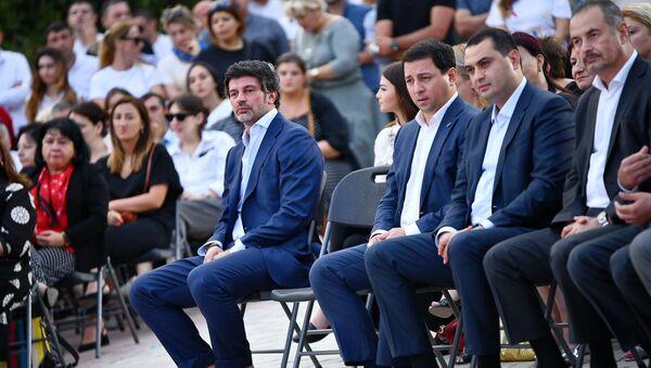 Представители правящей партии Грузинская мечта в Гардабани на предвыборной встрече - Sputnik Грузия