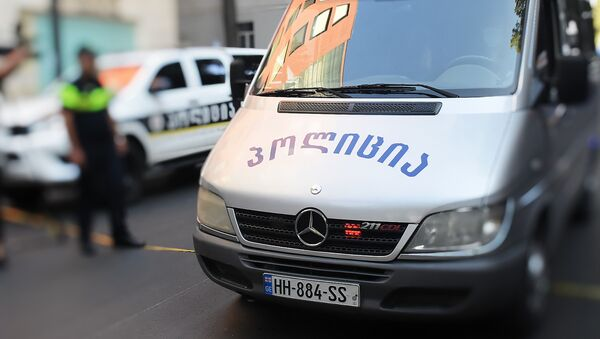 Патрульная полиция и следователи на месте преступления - Sputnik Грузия
