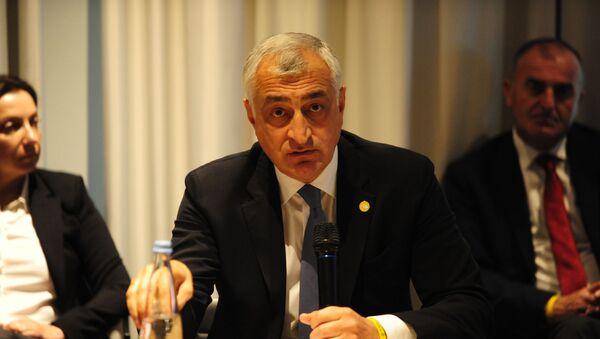 Мамука Хазарадзе и его сторонники по партии Лело - Sputnik Грузия