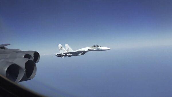 В США возмущены перехватами своих B-52 российскими истребителями - Sputnik Грузия