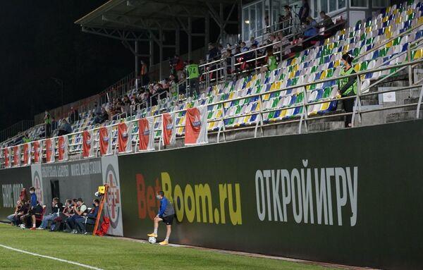 Трудно было играть при пустых трибунах - домашний матч Локомотив играл без своих болельщиков, но справился  - Sputnik Грузия