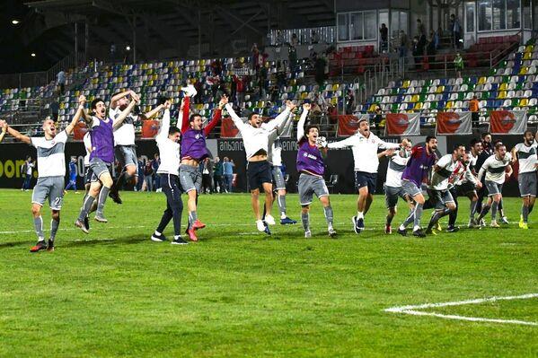 Теперь соперником Локомотивав третьем квалификационном раунде Лиги Европы УЕФА будет испанская Гранада, матч пройдет 24 сентября в Испании - Sputnik Грузия