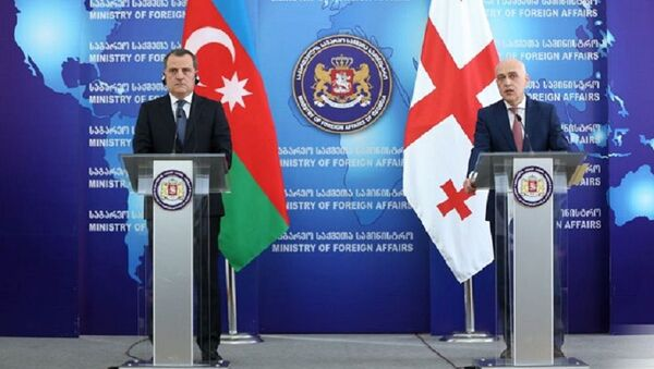 Министр иностранных дел Азербайджанской Республики Джейхун Байрамов и министр иностранных дел Грузии Давид Залкалиани - Sputnik Грузия