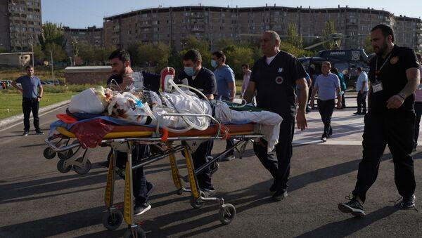Армения, Ереван - доставка раненых в медицинский центр Эребуни из Нагорного Карабаха - Sputnik Грузия