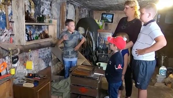 Подвал с историями: как калининградский школьник открыл музей - Sputnik Грузия