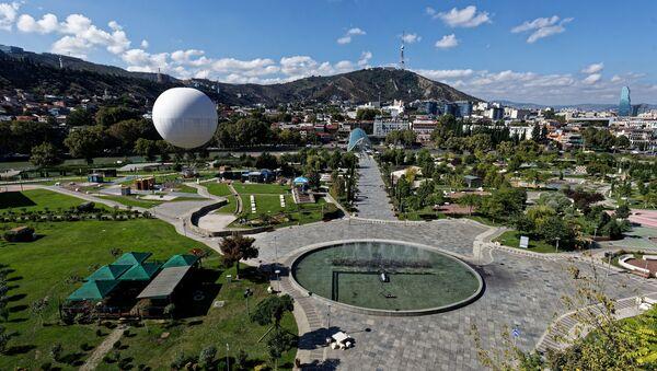 Вид на город Тбилиси - парк Рике, Мтацминда и центр столицы - Sputnik Грузия