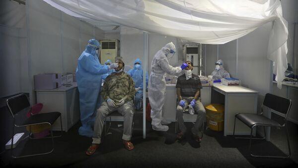 Пандемия коронавируса COVID 19. ПЦР тестирование в Индии, которое осуществляют израильские медики-добровольцы - Sputnik Грузия