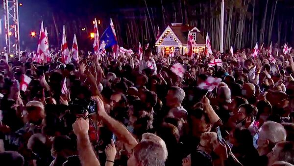 Многотысячный митинг ЕНД на батумском бульваре - Sputnik Грузия
