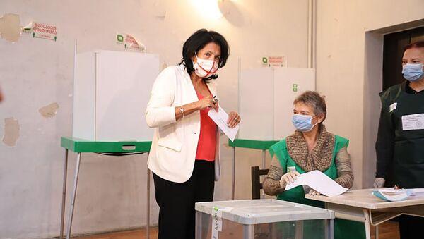 Саломе Зурабишвили принимает участие в парламентских выборах 2020 - Sputnik Грузия