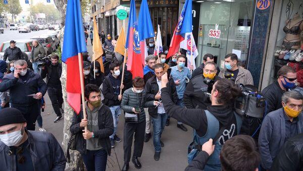 Шествие лидеров и сторонников оппозиции по улице Пекина с призывом придти на митинг 8 ноября - Sputnik Грузия