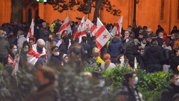 Флаги. Акция протеста оппозиции у здания парламента Грузии 9 ноября 2020 года - Sputnik Грузия