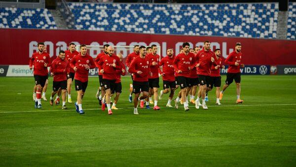 Сборная Грузии по футболу провела тренировку перед матчем с командой Македонии - Sputnik Грузия