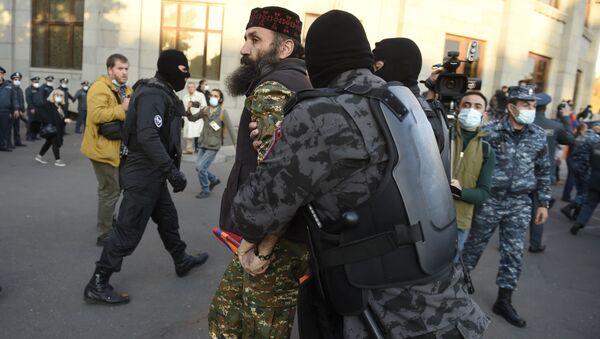 Митинг оппозиции в Ереване - Sputnik Грузия