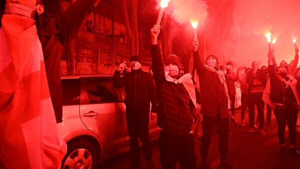 Болельщики у стадиона Динамо Арена перед началом матча между сборными Грузии и Македонии - Sputnik Грузия