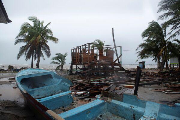 Ураган Йота накануне вечером обрушился на карибское побережье Никарагуа - Sputnik Грузия