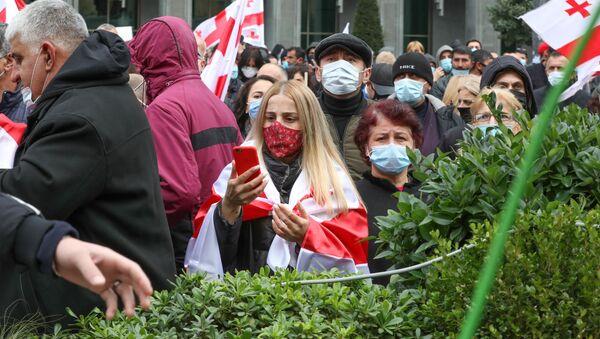 Эпидемия коронавируса - участники митинга оппозиции в масках 14 ноября 2020 года - Sputnik Грузия