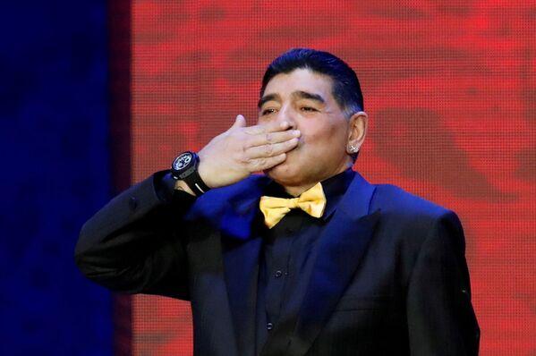 После завершения карьеры игрока, он редко где задерживался надолго. Так Марадона и не доехав до Бреста, трудоустроился техническим директором мексиканской команды Дорадос де Синалоа, это было его последнее место работы   - Sputnik Грузия