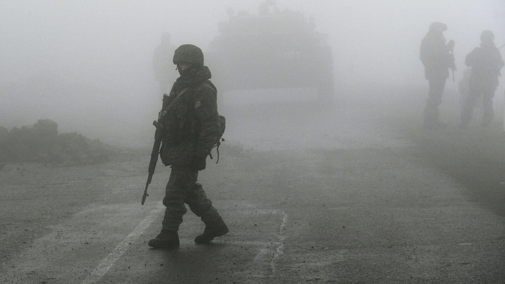 Нагорный Карабах. Российские миротворцы обеспечивают безопасность движения - Sputnik Грузия, 1920, 16.09.2021