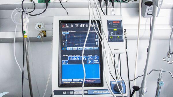 Аппарат искусственной вентиляции лёгких (ИВЛ)  - Sputnik Грузия