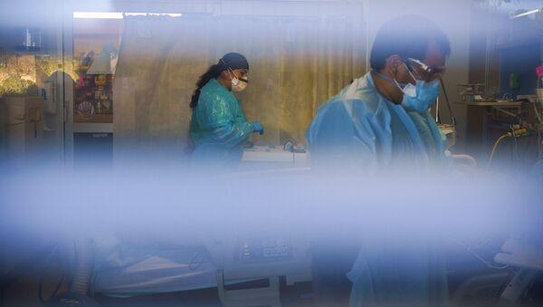 Пандемия коронавируса COVID 19 - врачи в больнице в Мексике - Sputnik Грузия
