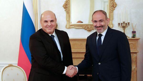 სომხეთის პრემიერ-მინისტრი ნიკოლ ფაშინიანი და რუსეთის მთავრობის მეთაური მიხაილ მიშუსტინი - Sputnik საქართველო