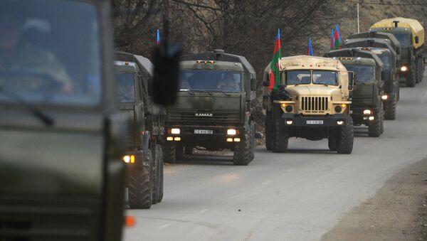 Азербайджанская армия на марше - Кельбаджарский район - Sputnik Грузия