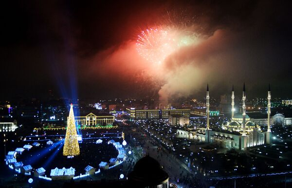 Салют во время празднования Нового года - 2019 в Грозном - Sputnik Грузия