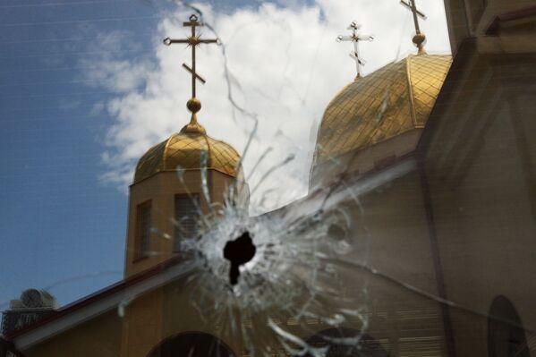 Последствия нападения на церковь Архангела Михаила в Грозном - Sputnik Грузия