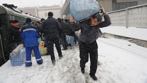 Трудовые мигранты в России - Sputnik Грузия