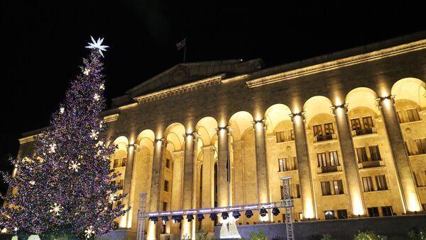 Церемония зажжения огней на главной новогодней елке Грузии на проспекте Руставели - Sputnik Грузия