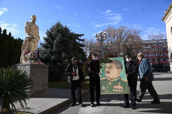21 декабря - дата, которую, по традиции, всегда отмечают грузинские сталинисты - Sputnik Грузия