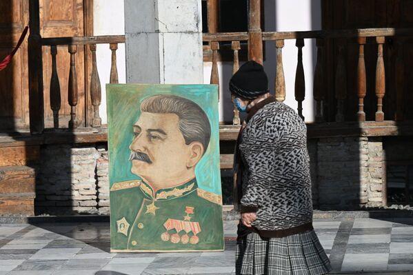 Да и многие пожилые люди опасаются лишний раз выходить из дома - Sputnik Грузия