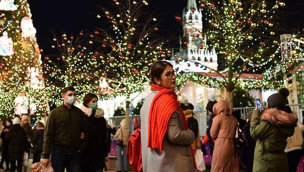 Новогодняя атмосфера в Москве - Sputnik Грузия