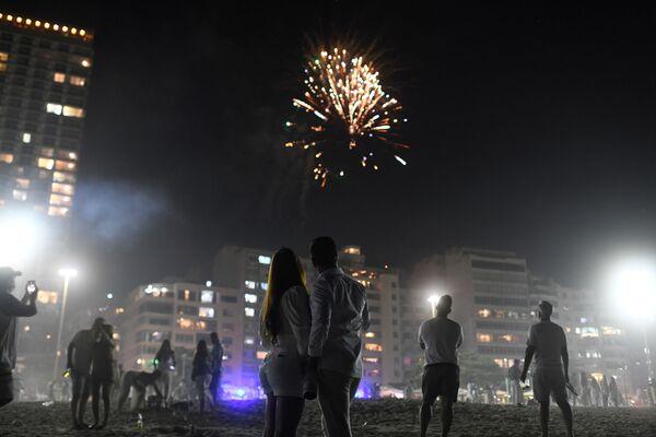 Салют во время празднования Нового 2021 года в Бразилии - Sputnik Грузия