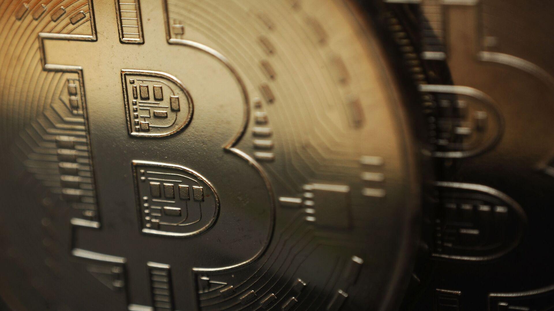 Сувенирная монета криптовалюты биткоин - Sputnik Грузия, 1920, 16.02.2021