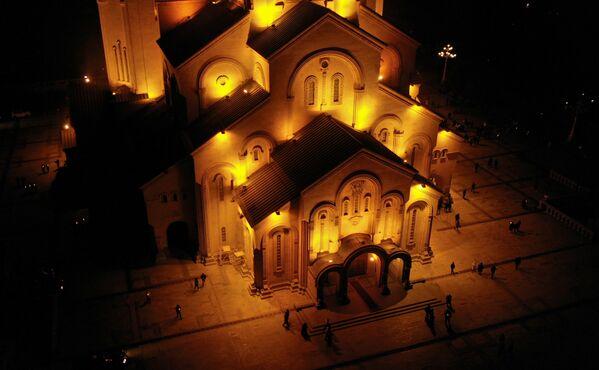 Главная рождественская служба состоялась в кафедральном соборе Святой Троицы – Самеба - Sputnik Грузия