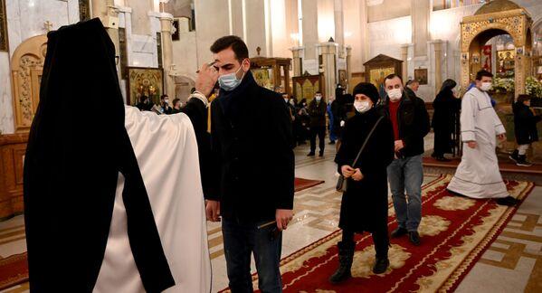 Православному Рождеству Христову предшествует пост, который завершается с первой звездой в Сочельник – в ночь перед праздником  - Sputnik Грузия