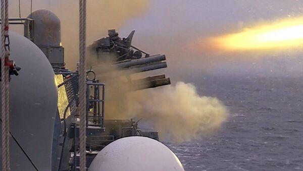 Учения сторожевого корабля в Балтийском море - видео - Sputnik Грузия