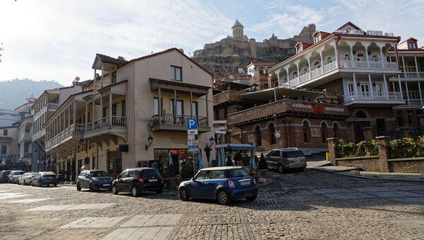 Вид на город Тбилиси в солнечный день - район Абанотубани и Калаубани - Sputnik Грузия