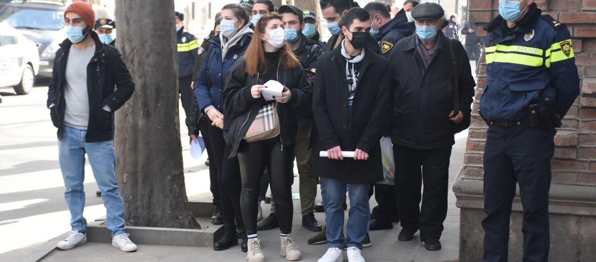 Представители молодежных организаций оппозиционных партий и гражданского сектора требуют решить проблему студентов с приостановленным статусом 27 января 2021 года  - Sputnik Грузия, 1920, 02.02.2021